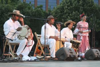 El Ayuntamiento ya ha presentado la programación cultural para el verano