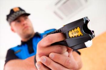 Vox solicita al Pleno municipal que se equipe a los policías locales con este instrumento