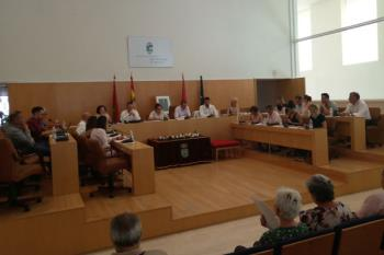El alcalde, Javier Corpa, solicitará a Fomento la construcción de un apeadero de Renfe en el polígono