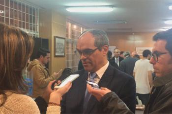 El consejero de Educación, Rafael Van Grieken, ha respondido a esta cuestión en un encuentro con militantes en Alcalá de Henares
