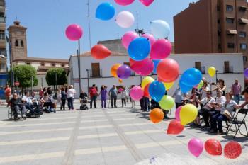 El 30 de mayo, la Asociación Mostoleña de Esclerosis Múltiple, junto con el resto de asociaciones relacionadas, realizará un acto simbólico, a las 12 horas, en la Plaza del Ayuntamiento de Móstoles y en la puerta del Hospital Fundación Alcorcón