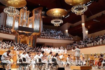 La Fundación Gmp ha organizado un concierto sinfónico benéfico que ha contado con la ayuda de Down Madrid y uno 750 voluntarios