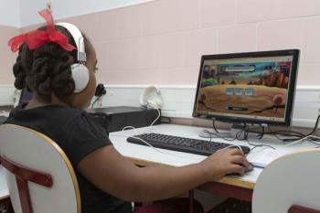 El programa cuenta con dos herramientas, una para analizar el riesgo de sufrir dislexia y otra para facilitar la mejora del alumno