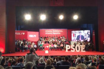 El presidente del Gobierno en funciones, Pedro Sánchez, presenta en el teatro Buero Vallejo el plan para avanzar y vencer el bloqueo