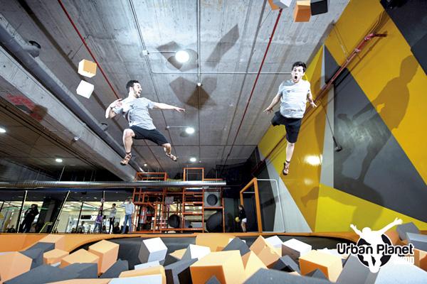 El 16 de marzo, Humanes organiza una salida al parque de saltos situado en el C.C Sambil