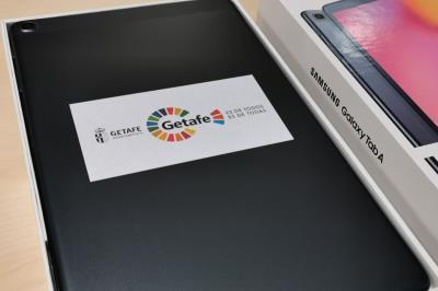 Lee toda la noticia '100 tabletas digitales con conexión a Internet para estudiantes y residencias'