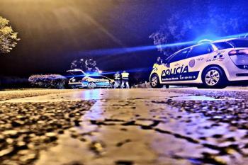 La Policía Local pretende así mitigar los efectos de la pandemia en la localidad