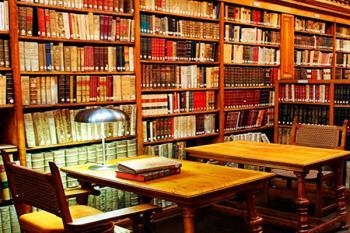 Fuenlabrada contribuye a la restauración de los fondos bibliográficos de la localidad toledana