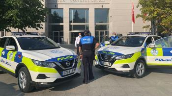 El Ayuntamiento presenta, además, 4 nuevos vehículos que patrullarán en las calles de la localidad
