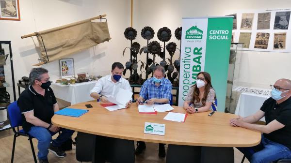 Ayuntamiento y Cooperativa Covibar suscriben un convenio de colaboración