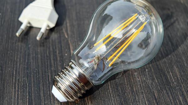 El Consejo de Ministros aprueba un plan de choque centrado en reducir los beneficios de las compañías eléctricas