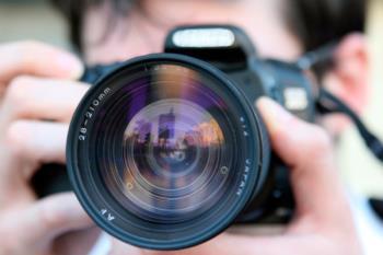 Los ganadores recibirán entre 400 y 650 euros para invertir en material fotográfico