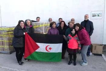 Más de 3.000 kilos de material escolar y alimentos no perecederos se destinarán a refugiados saharauis