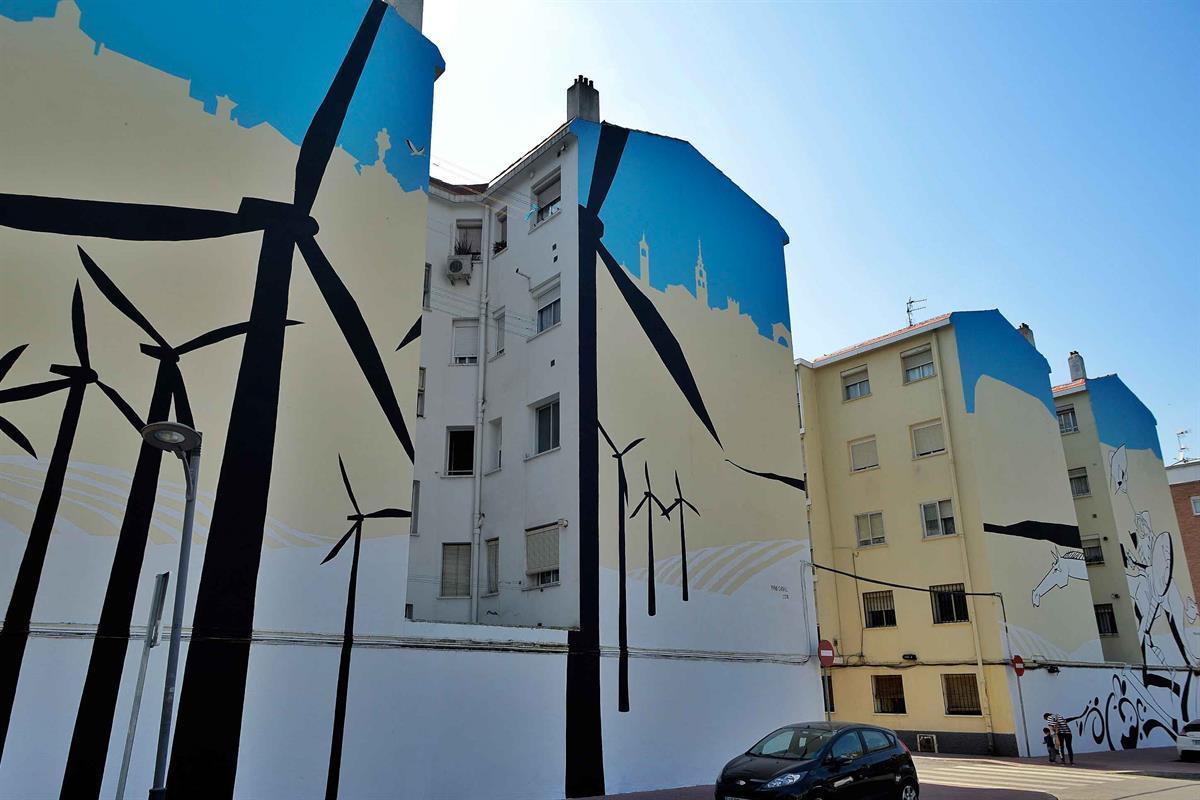 El artista Manu Cardiel ha firmado nuevos murales en cuatro fachadas