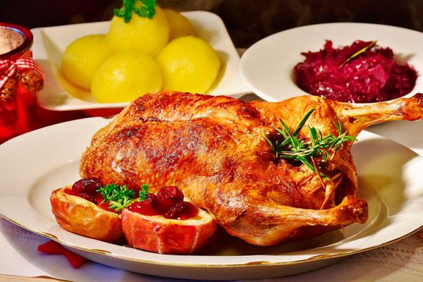 El consistorio invitará a compartir la cena de Nochebuena y de Fin de Año