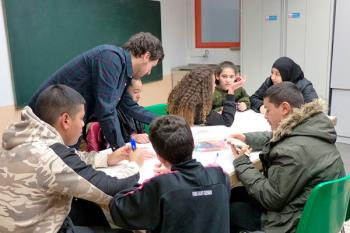 Este proyecto pretende luchar contra el fracaso escolar a través del fomento del trabajo en equipo