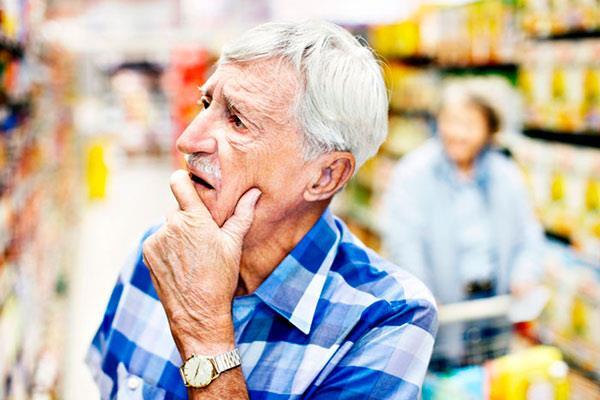 Alcobendas recibe 230 pulseras para mayores con demencia o Alzheimer