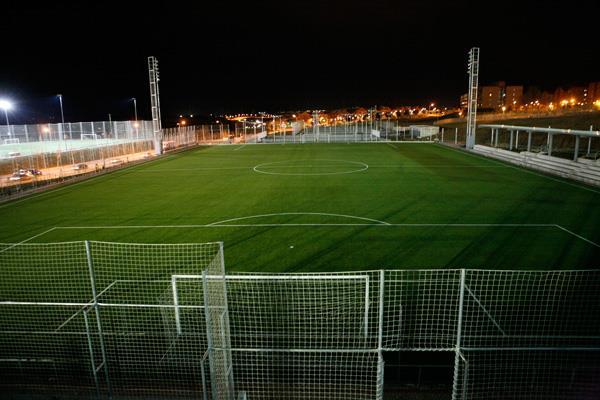 Alcobendas sustituye el césped artificial de cuatro campos de fútbol