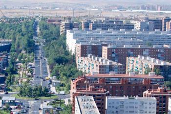 Según los indicadores urbanos contemplados por el INE a fecha de 2016, Alcorcón cuenta con 11.941 euros de media