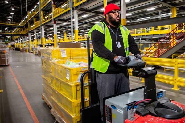 La Inspección de Trabajo advierte a la compañía que acate las medidas de prevención en su planta logística de San Fernando