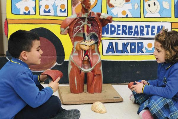 La Escuela Infantil Alkor utiliza el modelo VARK para que sus alumnos aprendan el idioma de una forma inmersiva