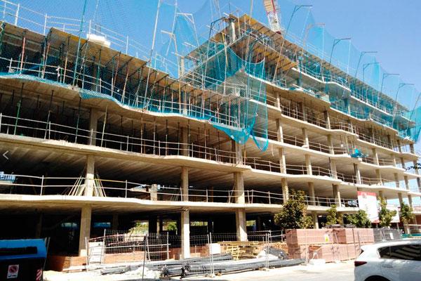 El consistorio adjudica las obras una nueva empresa y asegura que no habrá un incremento en el coste de las viviendas