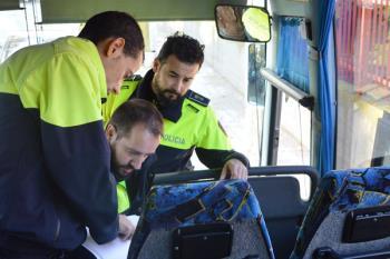 Los 19 vehículos que cubren las rutas escolares de la localidad han sido revisados