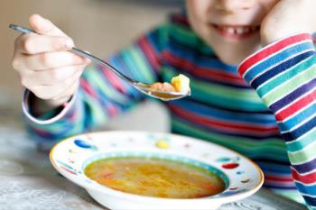 2000 escolares estarán becados y comerán en campamentos o en sus propias casas