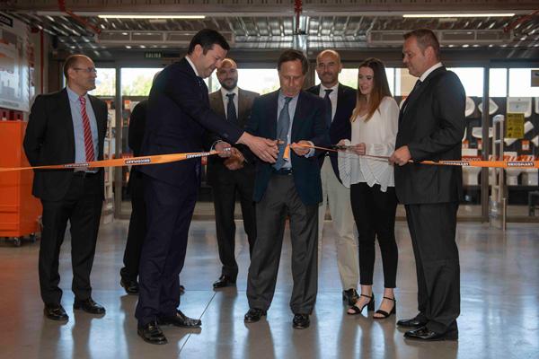 Este almacén es el sexto que abre en la Comunidad de Madrid y el más grande por superficie en la Península