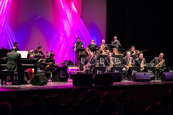 Elmufid, Electrolé, Cadiwoman, Pixie & Dixie Band o la Big Band Leganés son algunos de los grupos que se subirán al escenario, a las 21:30 horas