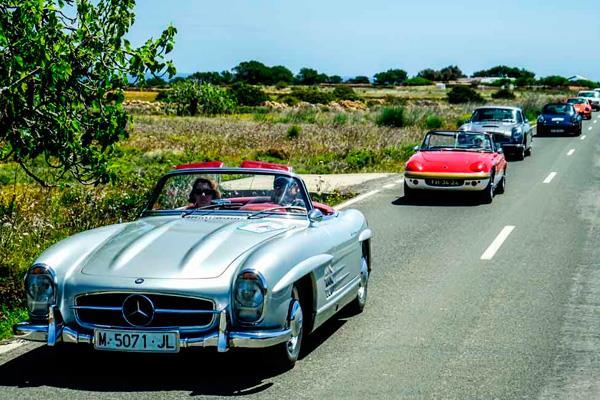 Cuarenta coches históricos iniciarán su ruta en el Palacio del Infante Don Luis