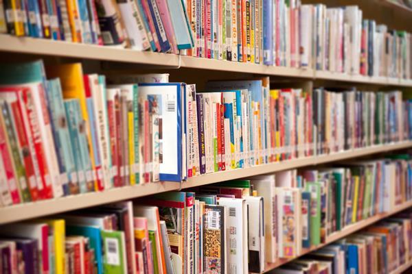 Boadilla recibe más de 4.000 solicitudes de becas para libros y material escolar
