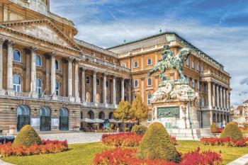 Tradición y vanguardia se entremezclan en la capital húngara, dividida por el majestuoso Danubio