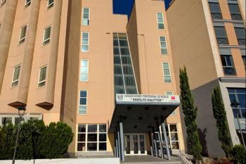 Los padres y alumnos denuncian la falta de mantenimiento del edificio