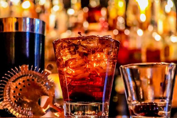 Los menores que consuman alcohol en la calle se enfrentan a multas que podrían superar los 500 euros