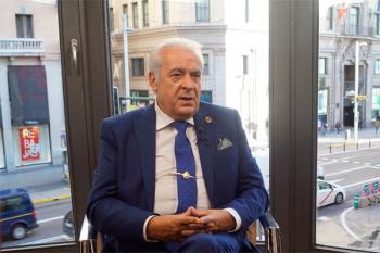 El alcalde desoye la petición del líder de Ciudadanos y se mantiene en su cargo