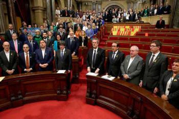 El Parlament proclama la independencia con la ausencia de los partidos de la oposición