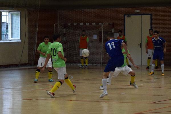 El equipo local logró adelantarse en el marcador pero AD Cáceres Universidad consiguió el empate en la segunda mitad
