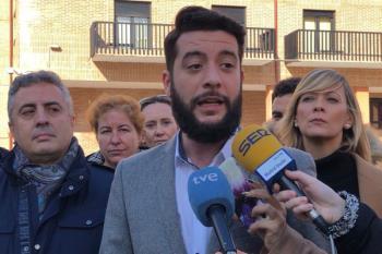El portavoz de la formación naranja, César Zafra, presenta una ley pionera contra el enchufismo que se debatirá el jueves en la Asamblea