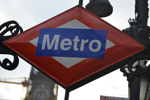 Metro asegura que el ascensor se ha cerrado por precaución al detectar ligeros movimientos de la estructura