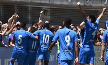 El club azulón está a un paso de convertirse en equipo de segunda división y romper así con la historia