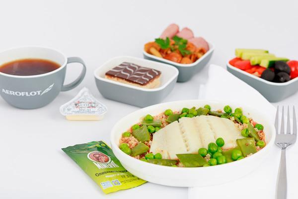 Os contamos qué compañías de vuelo tienen mejor oferta gastronómica en función a la opinión de sus pasajeros