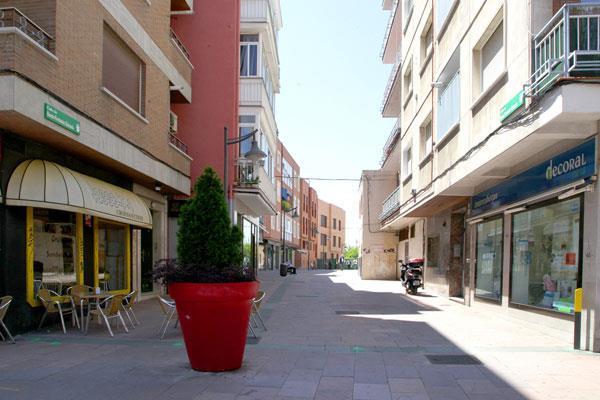 Comienza la renovación de metros cuadrados de aceras en el Distrito Centro