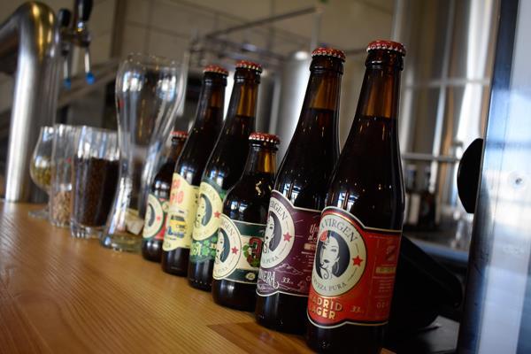 Cervezas La Virgen, una manera castiza de beberse Madrid