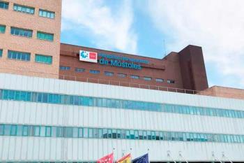 Un trabajador del Hospital Universitario de Móstoles denuncia la falta de equipos para atender los casos