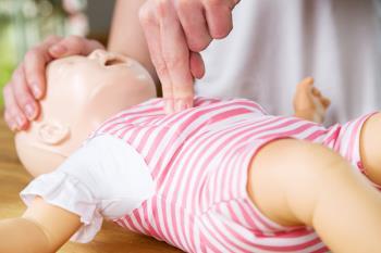 Las sesiones del curso se centran en bebés y niños