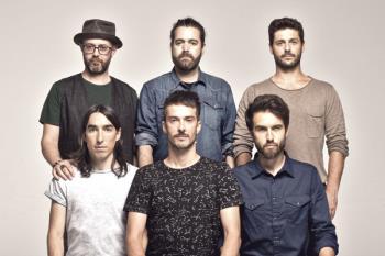 Hablamos con Guille Galván, guitarra y compositor de los aclamados Vetusta Morla, que cerrarán su gira