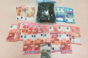 El detenido portaba más de 100 gramos de marihuana y 450 euros