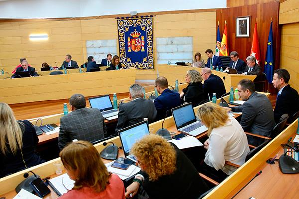 Además, el Pleno ha propuesto el estudio de un plan destinado a mejorar su calidad de vida