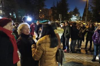 Los usuarios y usuarias protestan por la caldera averiada en el centro